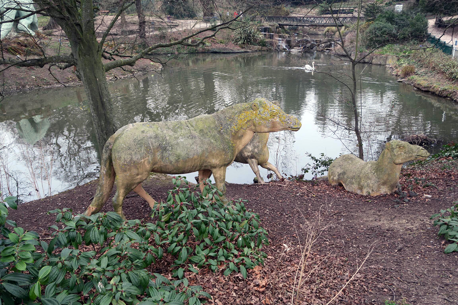 It may surprise you to hear that you will encounter dinosaurs on London's Green Chain Walk. In Crystal Palace, of all places.