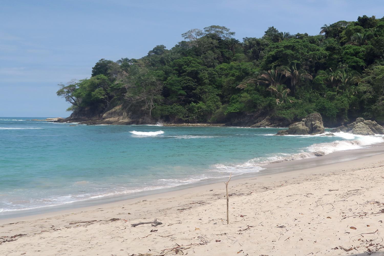 manuel-antonio-beach2