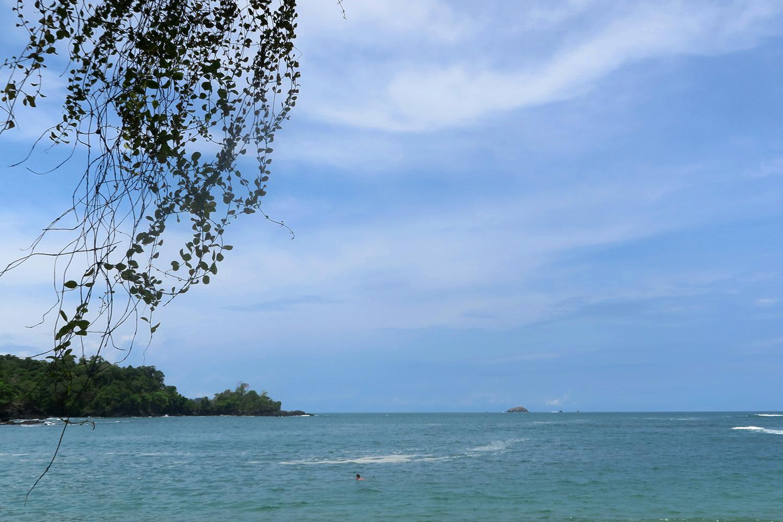 manuel-antonio-beach3