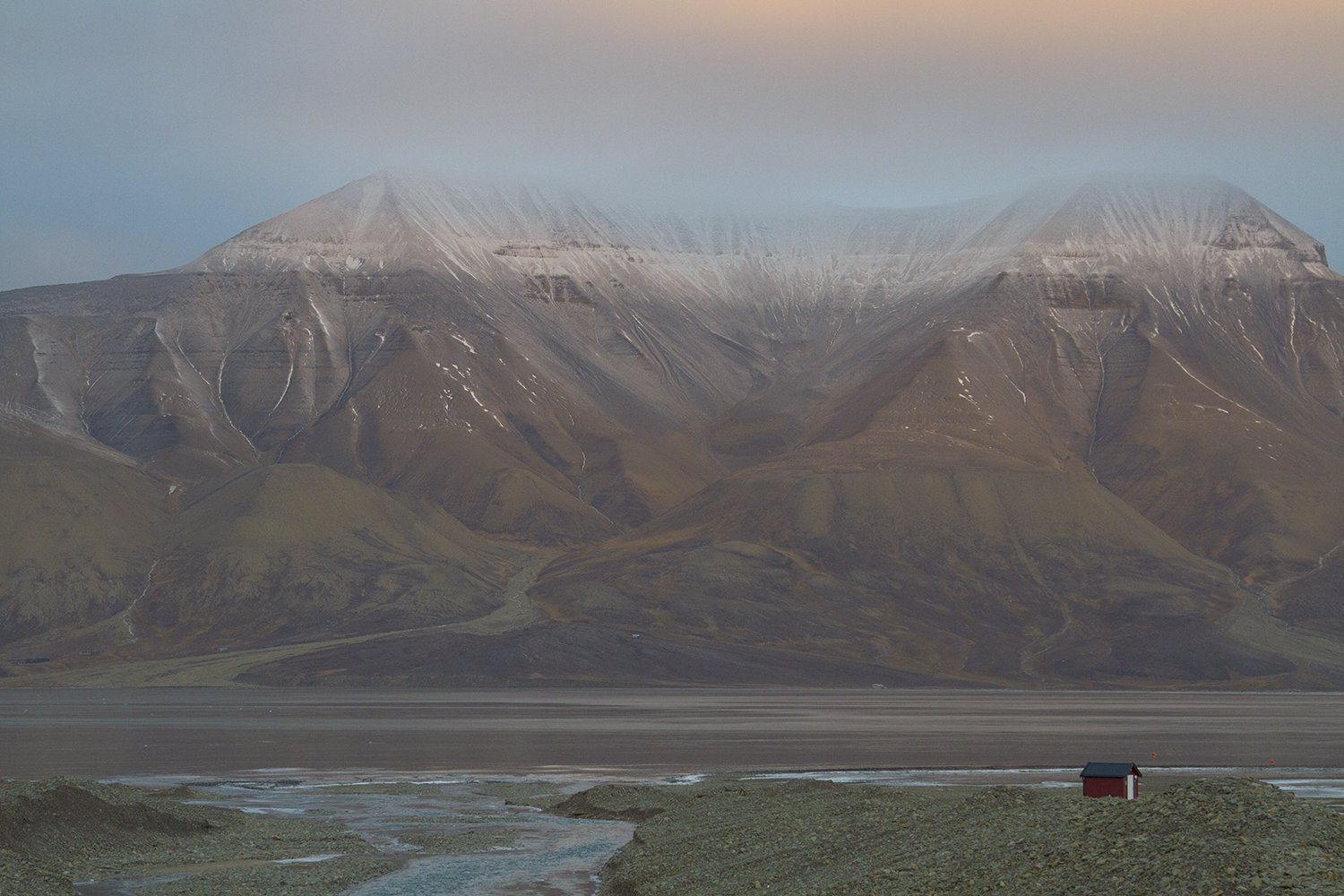 mountains-svalbard-sunset